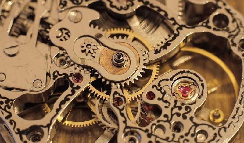 1462-watch-mechanism.jpg