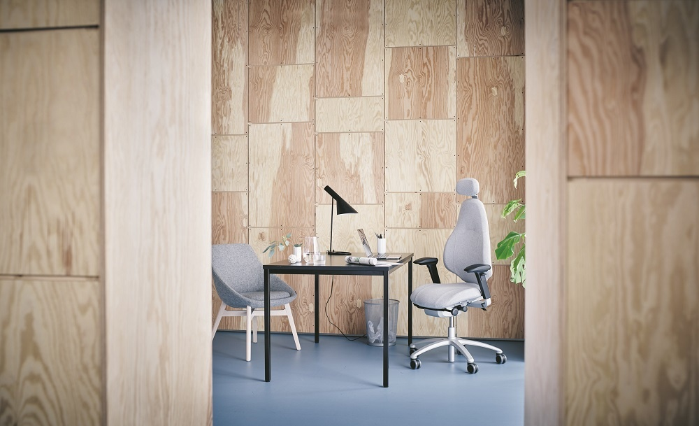 RH Mereo in Divina by Kvadrat grey fabric, with Offecct Ezy Wood low chair