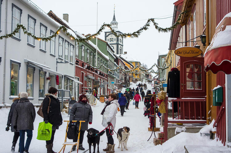 Røros_Kjerkgata_vinter.jpg